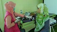 Pegawai Dinas Kesehatan Kabupaten Sinjai Terima Suntikan Vaksin Moderna