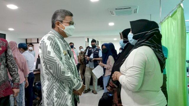 Hadiri Vaksinasi dan Penyuluhan Fakultas Kedokteran Unhas, Taufan Pawe Pesan Ini
