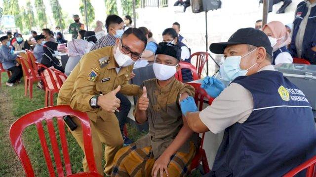 Wakil Bupati Sigi, Samuel Yansen Pongi Tinjau Pelaksanaan Vaksinasi Massal